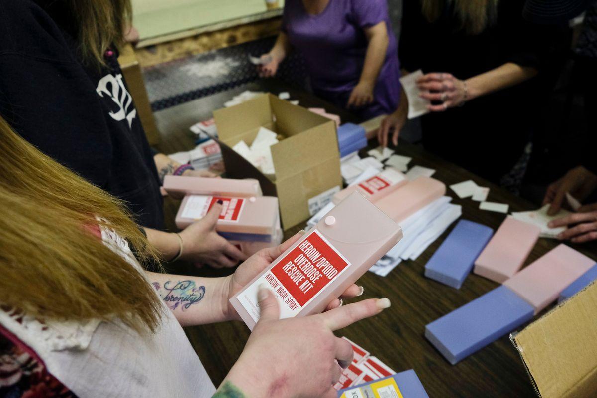 alaska-assembles-narcan-rescue-kits-hopes-preventing-overdose-deaths