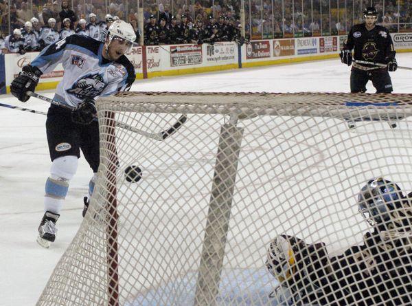 financially-struggling-alaska-professional-hockey-team-will-fold-at-seasons-end