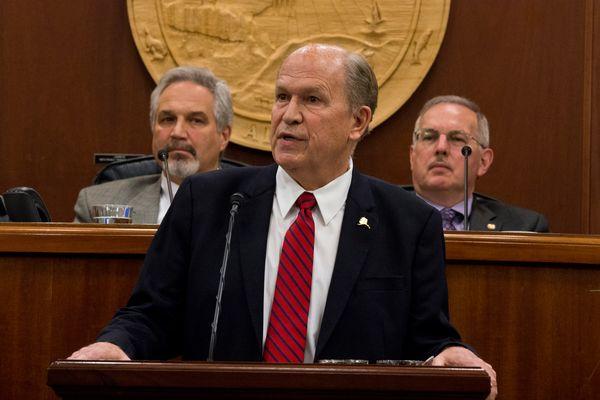 alaska-governor-asks-trump-throw-weight-behind-natural-gas-project