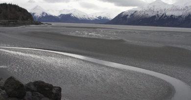 fines-leaks-troubles-mount-oil-gas-company-hilcorp-alaska-outside
