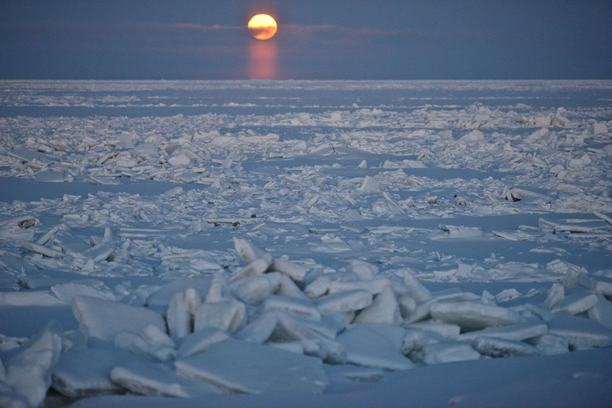 what-tiny-particles-blowing-in-alaskas-north-slope-air-tell-us-about-oil-field-pollution