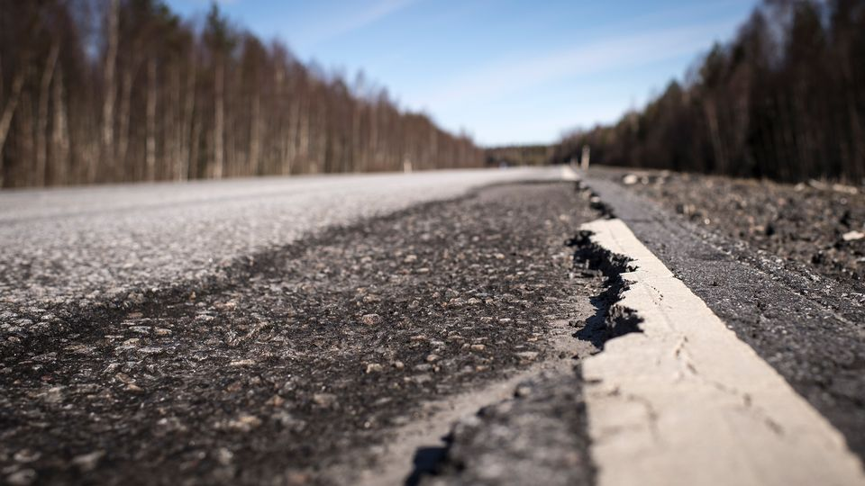summer-speed-limits-but-restrictions-on-weather-damaged-roads