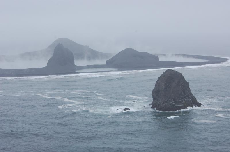 alaskas-tiny-restless-bogoslof-volcano-erupts-again-and-researchers-wont-be-going-there-anytime-soon-1