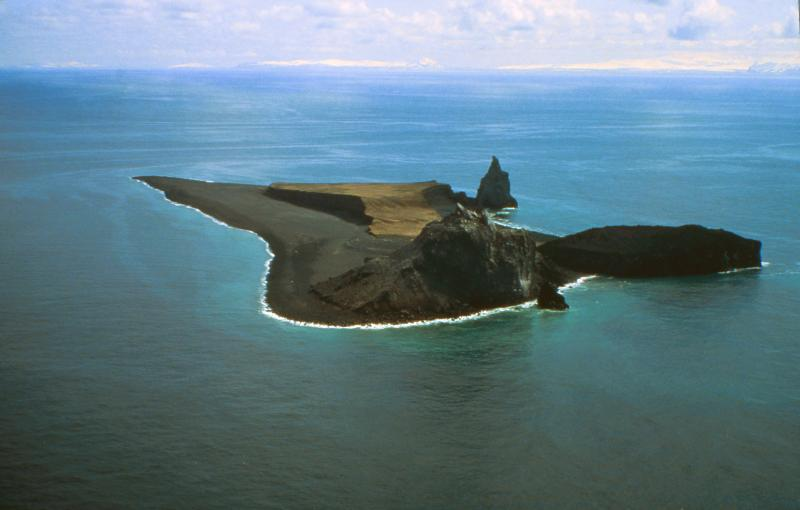 alaskas-tiny-restless-bogoslof-volcano-erupts-again-and-researchers-wont-be-going-there-anytime-soon