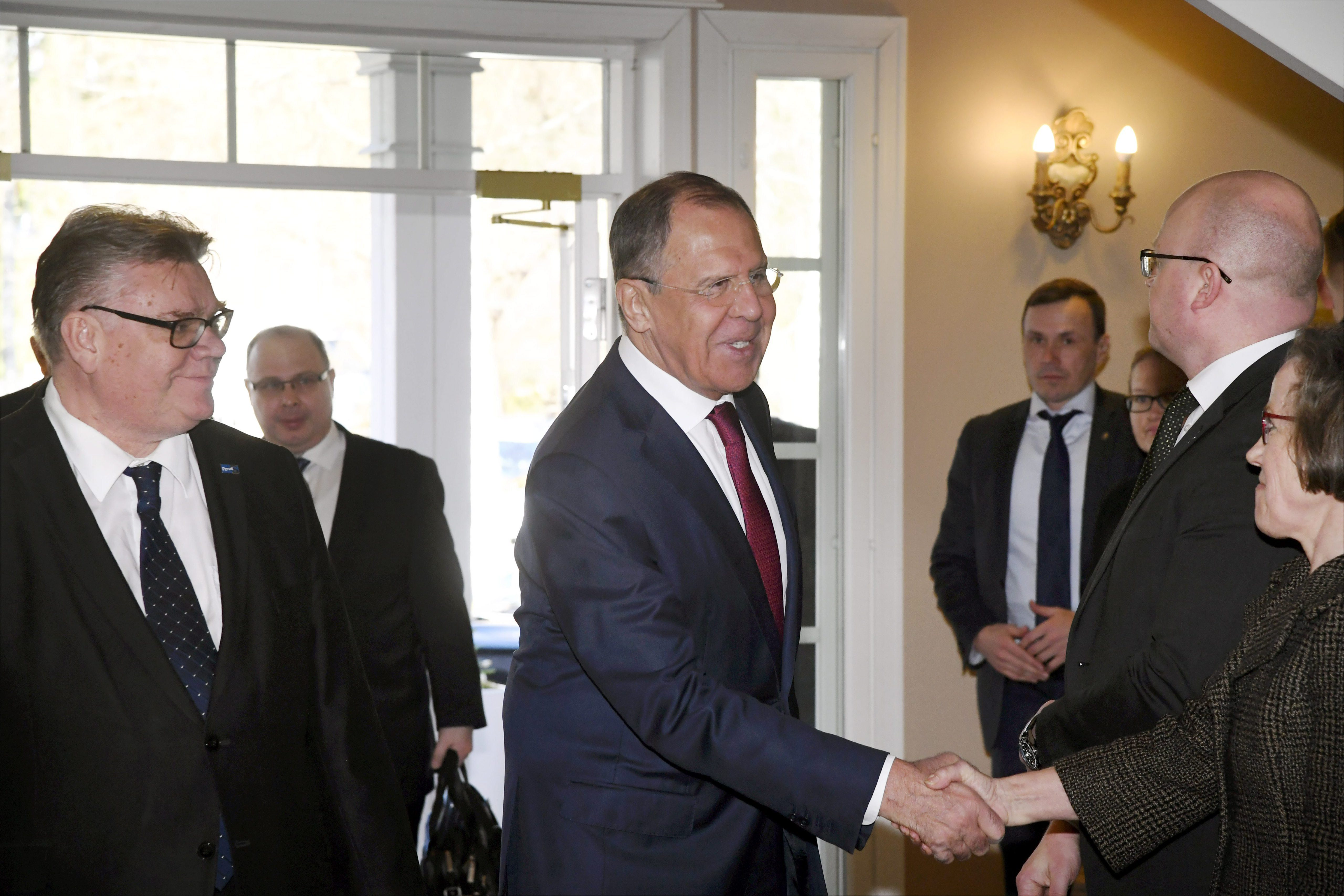 """Russian and Finnish foreign ministers tackle """"difficult issues"""