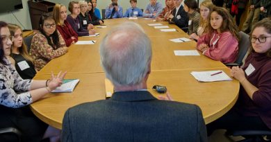 alaska-youth-environmental-group-asks-state-to-regulate-greenhouse-gas-emissions
