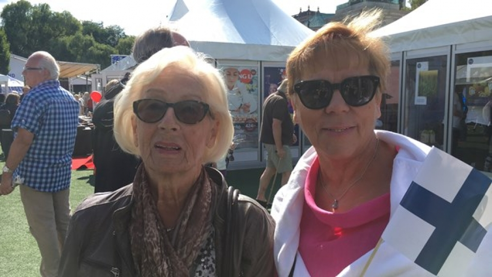 Eila Korhonen and Ulla Kallio have lived in Sweden for many years. They think Swedish people don't know much about Finland. (Ulla Engberg/Radio Sweden)