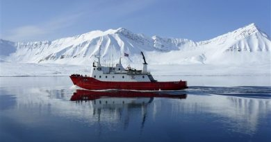 Canada moves to dilute Finnish proposal to ban dirty fuels in the Arctic