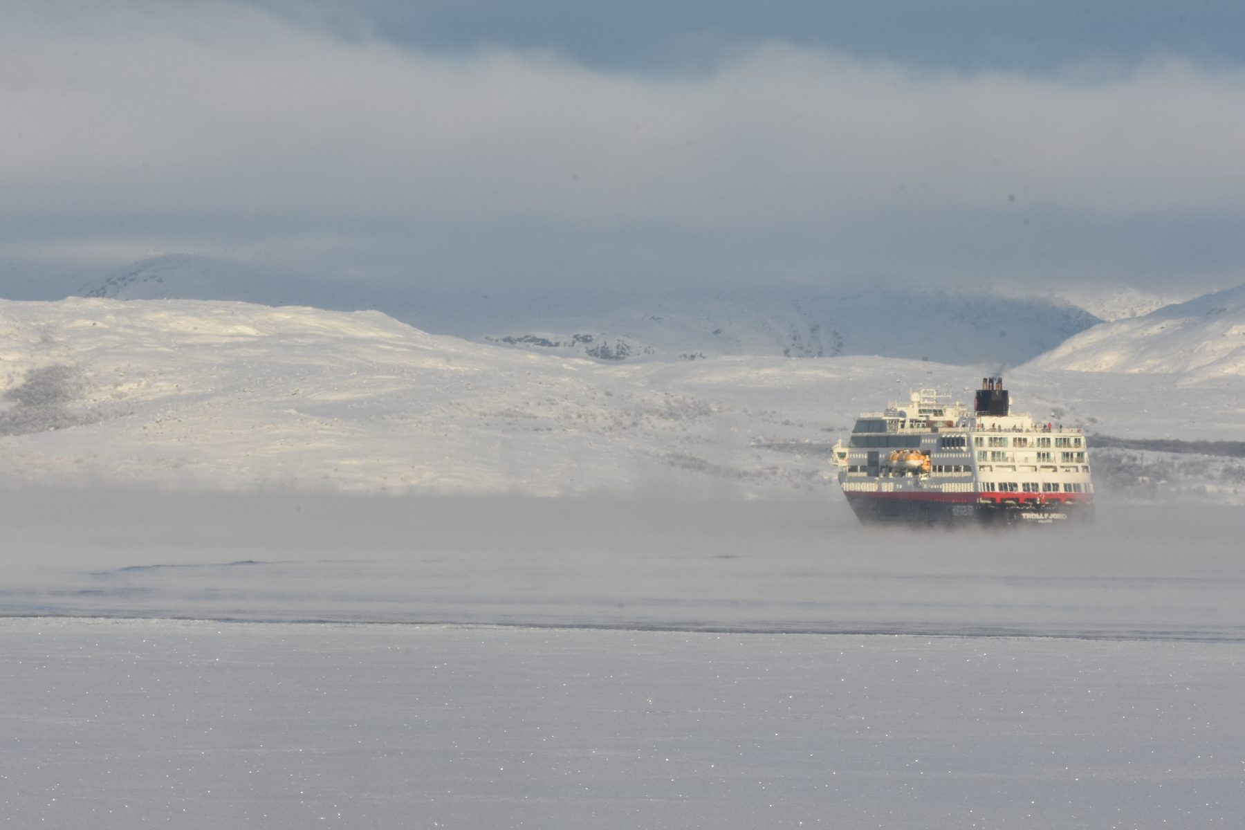 Long format - Rescue services in Arctic Norway not ready for Svalbard cruise boom