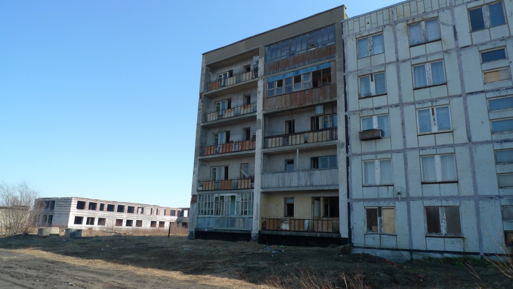 Abandoned apartment blocks close to the air-field. (Thomas Nilsen/The Independent Barents Observer)