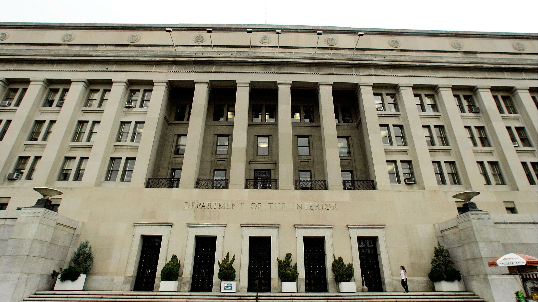 Former Alaska Attorney General leads U.S. Interior office ...