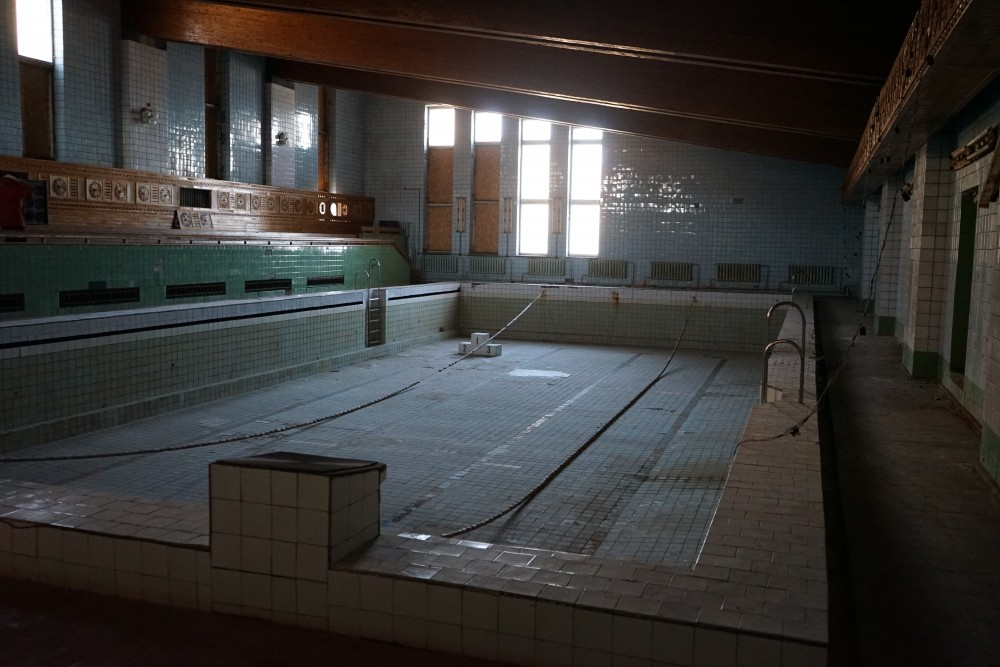 No more water in the world's northernmost swimming pool. (Thomas Nilsen/The Independent Barents Observer)