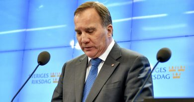 Why does Sweden's Centre Party oppose Stefan Löfven's nomination as PM?
