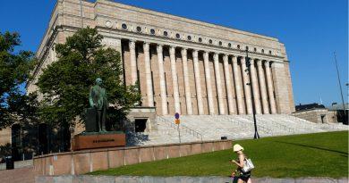 Finland's new gov breezes through no-confidence vote over its agenda