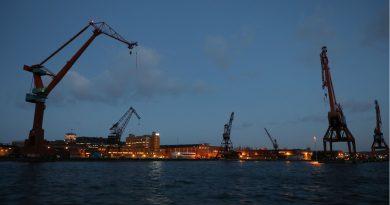 Dock dispute brings harbours in Sweden to a standstill