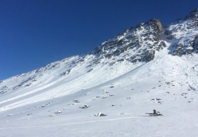 Warm weather increases risk of avalanche in northwestern Canada