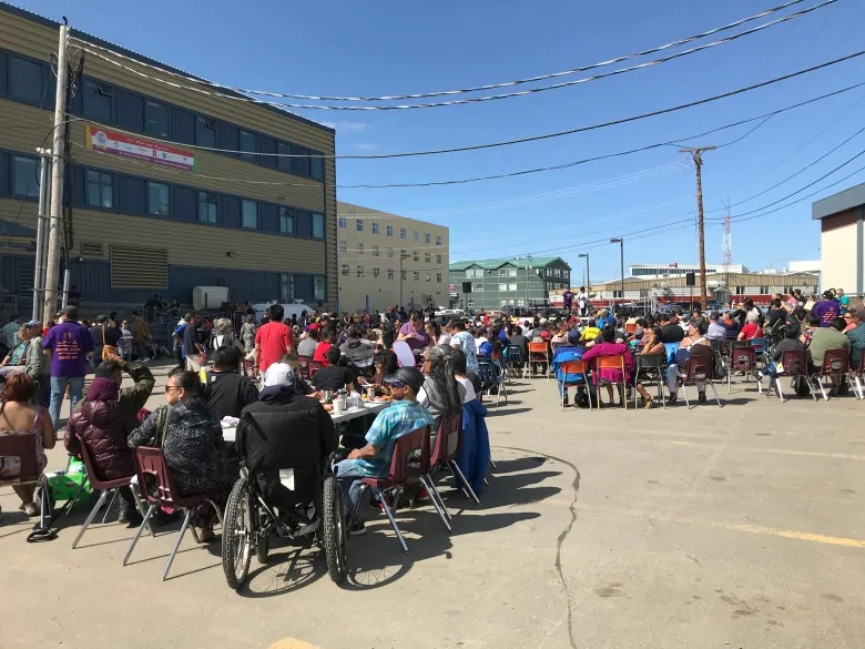 Tables and chairs were set up in downtown Iqaluit for Nunavut Day festivities. (Sara Frizzell/CBC)