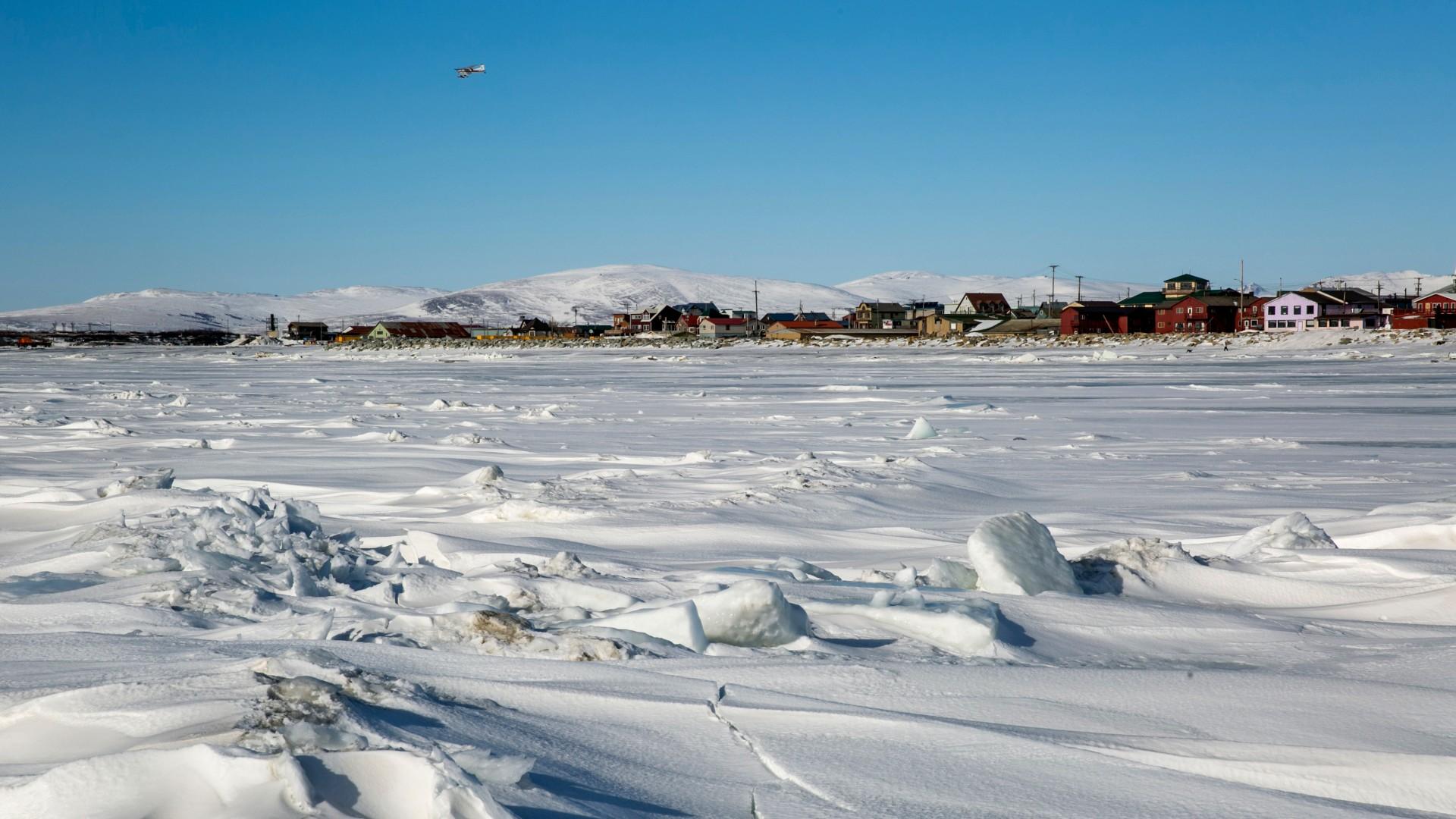 Luxury cruise ship leaves Alaska toward Northern Sea Route