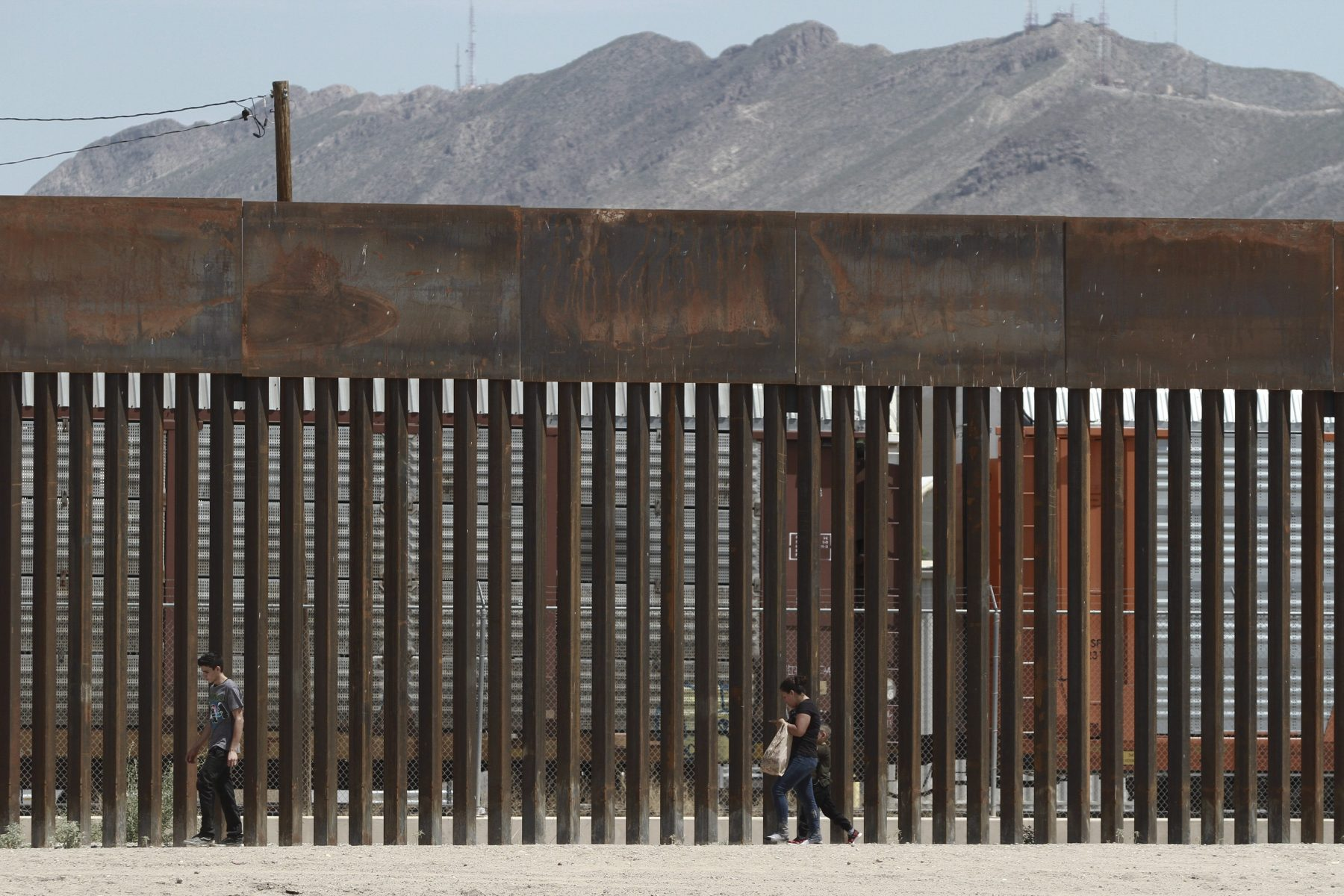 Alaska losing $102M in military construction for wall on U.S.-Mexico border