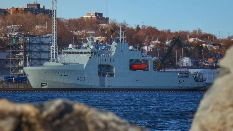 Delivery date for Canada's first Arctic patrol ship pushed back again