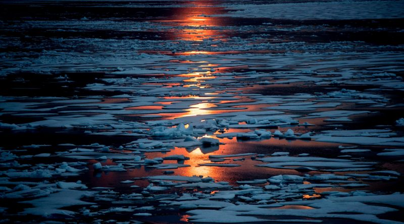 The midnight sun in the High Arctic