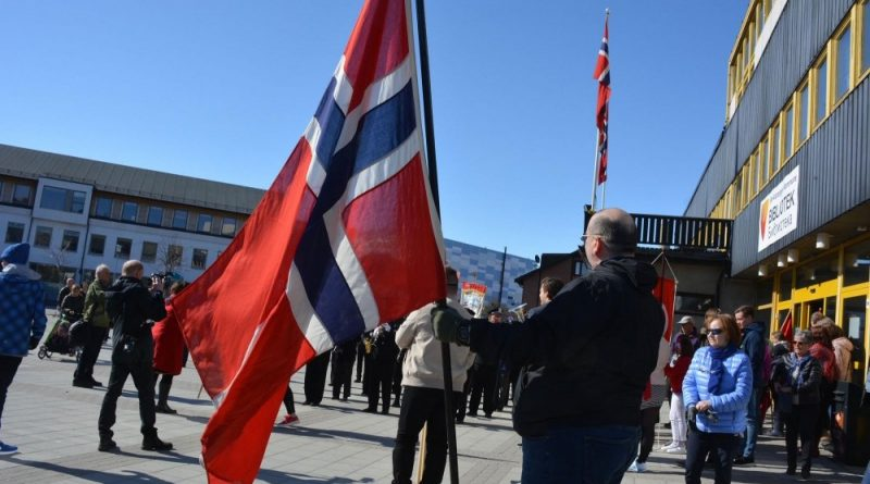 Norwegians celebrate end of COVID restrictions