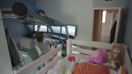 Le cadeau d un p re son fils un cockpit de boeing 737 for Simulation maison a construire