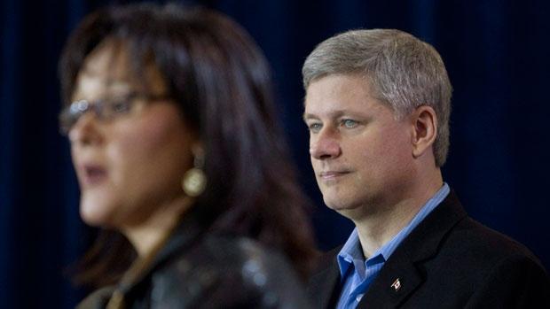 Même s'il se trouve lui-même à New York en ce moment, le premier ministre canadien Stephen Harper a préféré envoyer à sa place sa ministre de l'Environnement, Leona Aglukkaq, au sommet sur le climat.