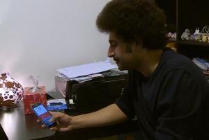 Il y avait seulement 700 $ dans les deux comptes, dit le jeune iranien qui affirme avoir utilisé principalement ses comptes pour acheter des provisions et déposer ses chèques de paie de son emploi à temps partiel à Montréal.