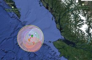 Une carte de l'océan Pacifique au large de la côte nord de l'île de Vancouver montrant un groupe de huit tremblements de terre au cours des derniers mois allant de grandeur de 4,0 à 5,2, à des profondeurs allant de 10 à 22 km (earthquaketrack, com)