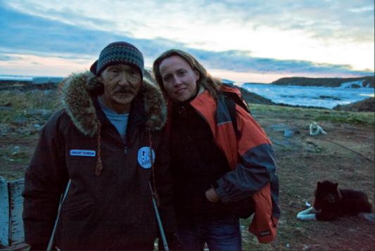 Sam Willy Okpik et la réalisatrice Laaura Rietveld (Catbird Productions)