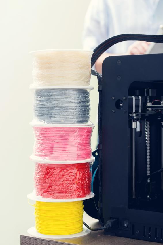 invention une machine recycler les bouteilles qui fabrique du plastique d impression 3d. Black Bedroom Furniture Sets. Home Design Ideas
