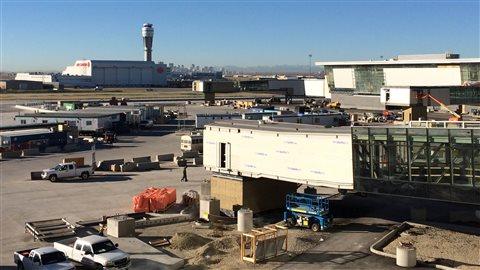 Pétition pour et contre un aéroport international Stephen Harper à Calgary