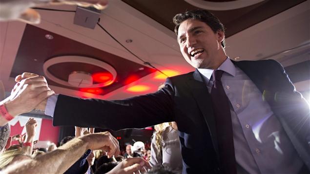 Les Canadiens propulsent un autre Trudeau, Justin Trudeau, au poste de premier ministre