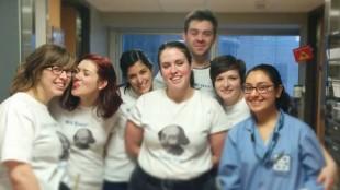 Les comédiens de la troupe Spur of the Moment à l'hôpital Mount Sinai de Toronto (Facebook)