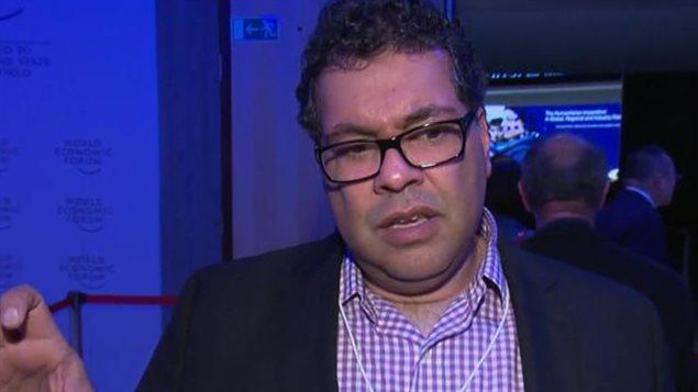 Selon Naheed Nenshi qui est le maire de Calgary, la capitale canadienne du pétrole, l'économie canadienne repose toujours trop sur les ressources naturelles.