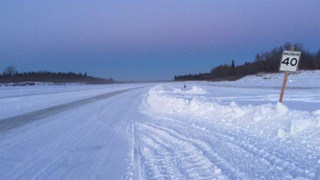 Route de glace de la baie James au Canada. CBC