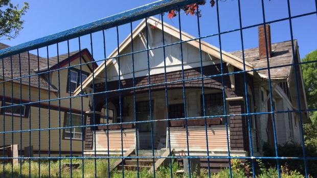 Un maison de Victoria à être démolie (Megan Thomas/CBC