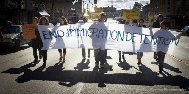 Des membre de End Immigration Detention lors d'une manifestation en 2015.