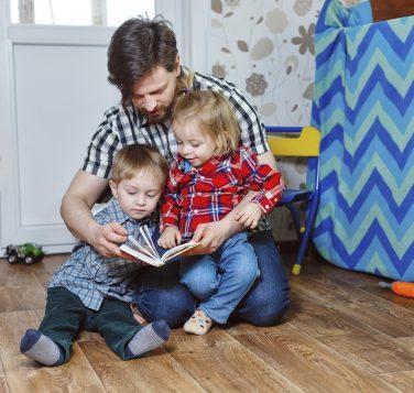 Le bonheur de lire avec ses enfants (IStock)