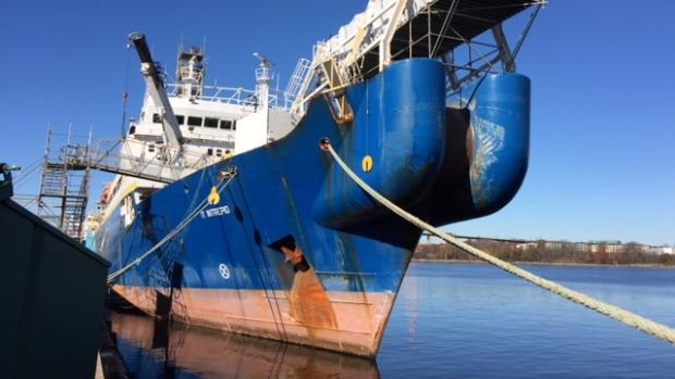 Le IT Intrepid amarré dans le port de Halifax en Nouvelle-Écosse (CBC)