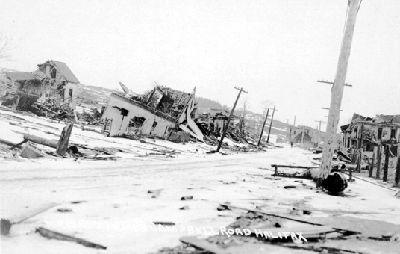 Halifax, explosion de Scène de dévastation, le long de la route Campbell, en 1917 (avec la permission des Nova Scotia Archives and Records Management/P-1776.91.83)