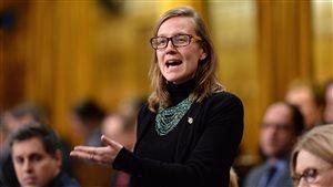 Réforme du scrutin démocratique canadien : la nouvelle ministre se fait discrète