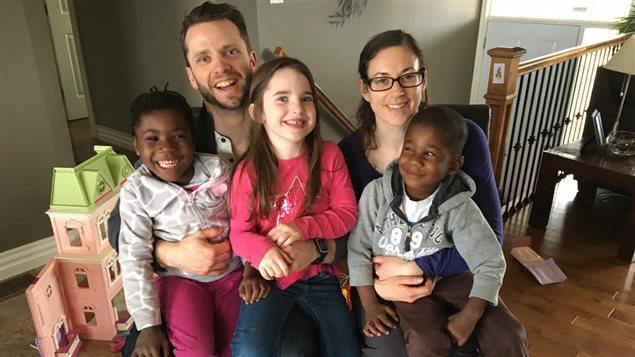 comment se passe l adoption des enfants ou des petits orphelins au qu bec ou au canada. Black Bedroom Furniture Sets. Home Design Ideas