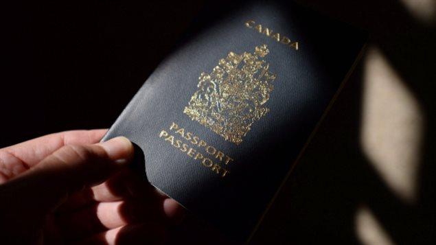Le gouvernement libéral dit qu'il vise la fraude. Mais les avocats représentant certains citoyens ciblés pour la révocation de leur citoyenneté disent qu'ils voient des cas qui ne correspondent pas à cette description. Photo Credit: (Sean Kilpatrick/Canadian Press)