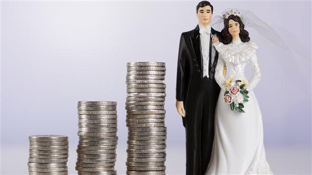Une noce typique en 2015 au Canada, selon les désirs des fiancés, coûtait au bas mot 31 717 dollars. Il y a à peine trois ans plus tôt, cette estimation était de 27 889 dollars. Photo Credit: IS / iStock