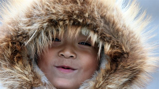 Enfant inuit Photo Credit: GABRIEL BOUYS/Getty Images