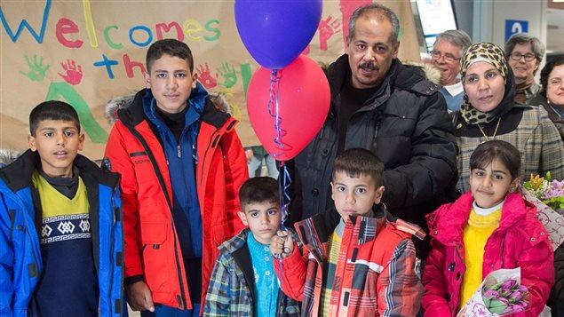 Photo : Radio-Canada http://www.rcinet.ca/fr/2017/10/02/le-gouvernement-canadien-revise-son-programme-controverse-de-prets-aux-refugies/