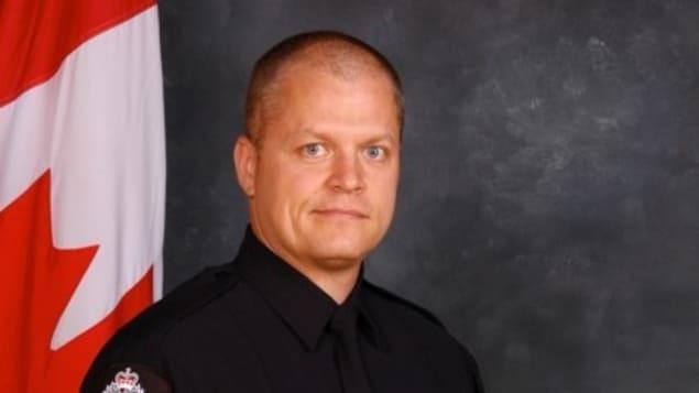 L'agent de police Mike Chernyk a été renversé et poignardé lors d'une attaque considérée comme un acte terroriste. Photo : Police d'Edmonton