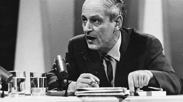 René Lévesque est décédé le 1er novembre 1987, deux ans après avoir quitté la vie politique. Premier ministre du Québec de 1976 à 1985, il a profondément marqué l'histoire du Québec. Le politicien René Lévesque en 1969. Photo Credit: Radio-Canada/André Le Coz
